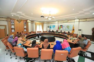 Walikota dan Wakil Walikota Menerima Penyampaian Laporan Akhir Penyusunan Anjab dan ABK Kota Tarakan