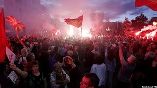 """Το VMRO βάζει """"ταφόπλακα"""" στη Συμφωνία των Πρεσπών"""