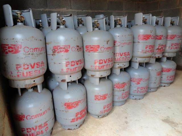 Repartidores fijan de manera brusca nuevo precio para la bombona de gas  Amenazan con no ir a la comunidad sino pagan lo que ellos piden