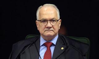Fachin  decidiu que Bolsonaro tem que respeitar lista tríplice para nomear reitores de federais