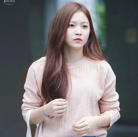 Yeri's beautiful brown haircolor Red Velvet Yeri Hairstyles