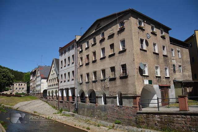 Domy tkaczy w Nowej Rudzie są jednym z ważniejszych zamytków miasta, które trzeba zobaczyć w Nowej Rudzie