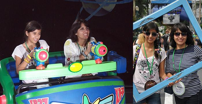Fotos en atracciones y en los parques.