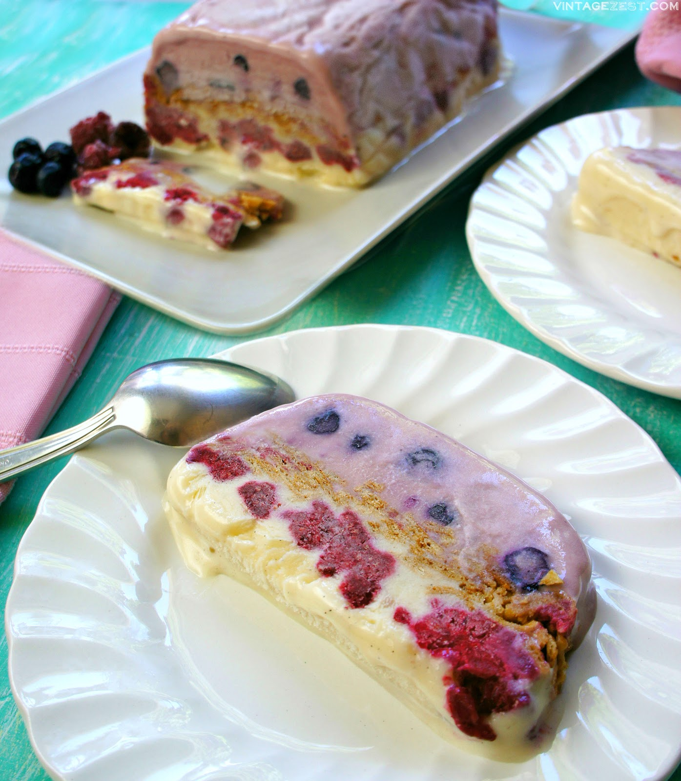 Berry Frozen Yogurt Cake ~ Vintage Zest | A quick, easy, family-friendly dessert that is gorgeous enough to serve at a party and healthy enough to gobble up after any weeknight dinner!