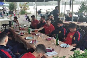 Η διοίκηση της Καστοριάς έκανε το τραπέζι στην ομάδα, στην Roma Pizza