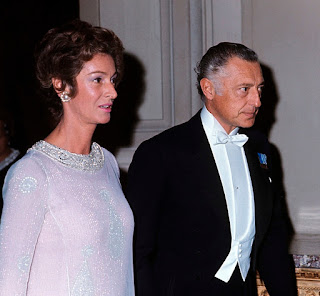 Gianni Agnelli with his wife, Marella, in 1966.
