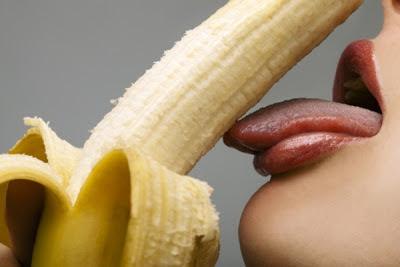 Menelan Sperma Bisa Menyebabkan Hamil atau Tidak