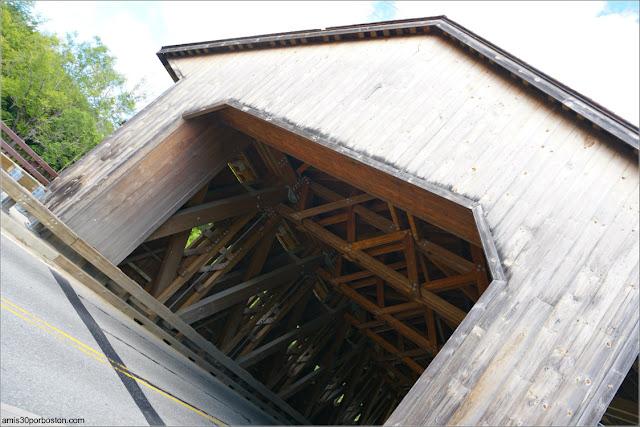 Puentes Cubiertos de Massachusetts: Pepperell Covered Bridge