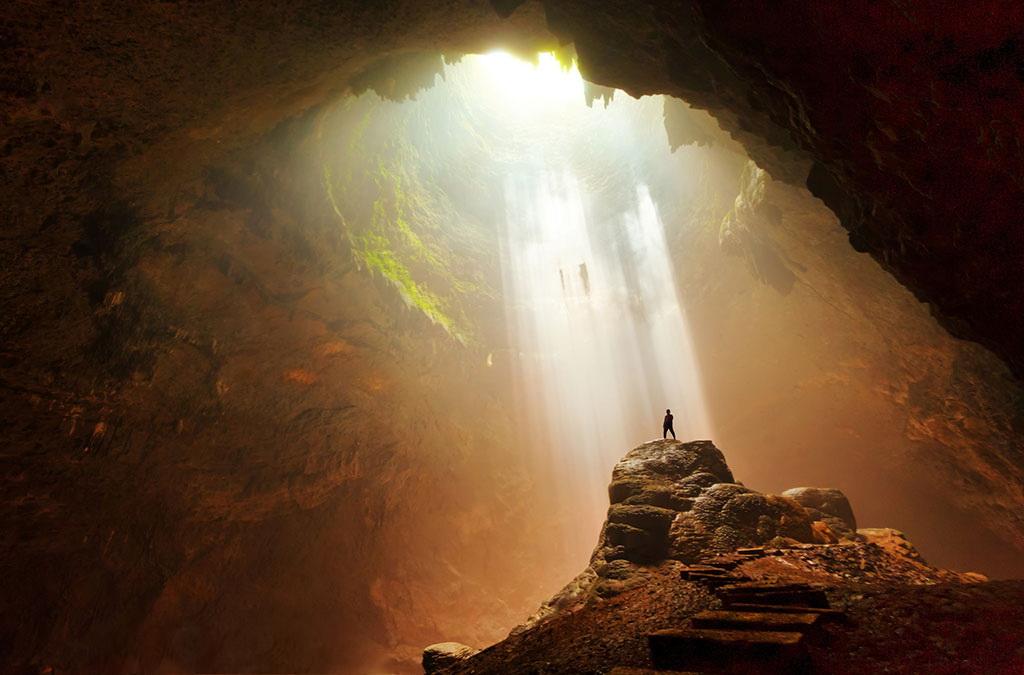 Exotisme Wisata Alam Goa Jomblang, Gunung Kidul, Yogyakarta