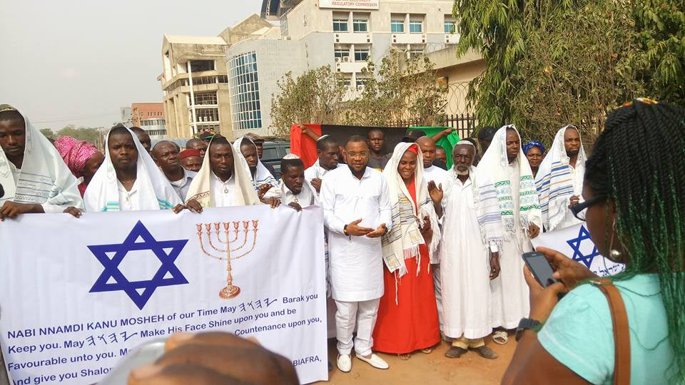 Nnamdi Kanu: IPOB members storm Federal High Court, Abuja in Jewish apparels