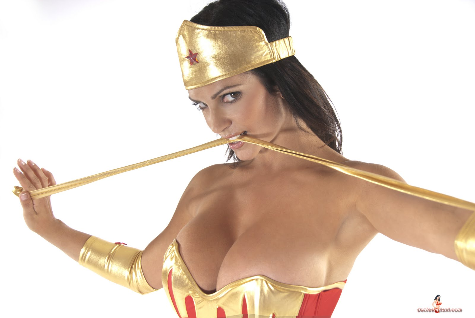 nude wonder woman cosplay