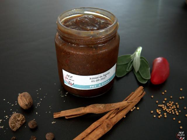 Chutney de higos y cebolla, aromatizado con hierbas y especias