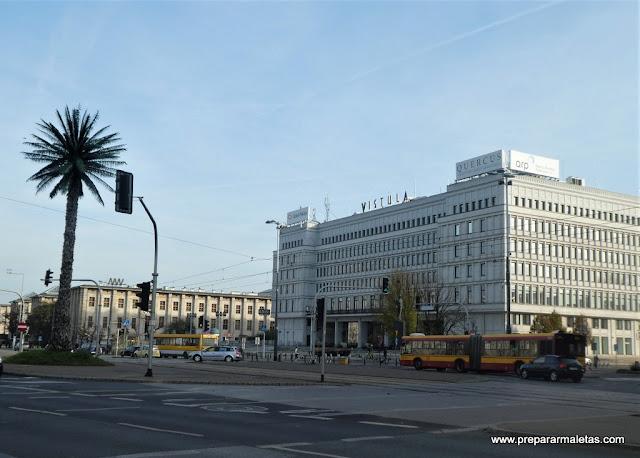 La plaza Zawiszy y la palmera artificial de Varsovia