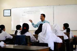 http://jobsinpt.blogspot.com/2012/04/kemdikbud-siapkan-beasiswa-pendidikan.html