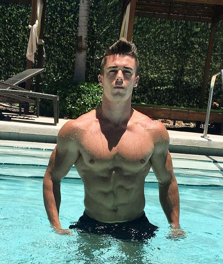 fit-shirtless-young-muscle-hunk-wet-body-abs-hot-pool-guy