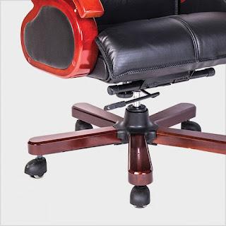 Tăng chỉnh độ cao của ghế dễ dàng thông qua cần gạc