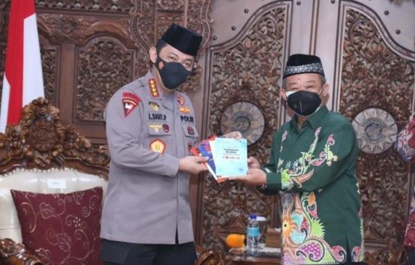 Usai Bertemu Kapolri Jenderal Sigit, Ketua Muhammadiyah: Umat Minta Abu Janda Ditangkap