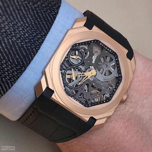 Wristshot of the Bulgari Octo Finissimo Skeleton Sandblasted in rose gold (ref. 102946)