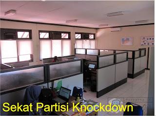 Harga Sekat Kantor Portable & Sekat Kantor Knockdown + Furniture Semarang