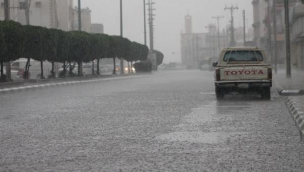 أمطار رعدية تجتاح المناطق الغربية والوسطى