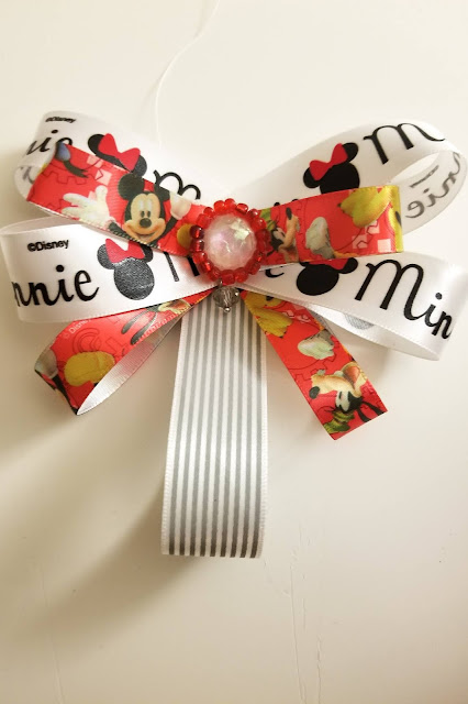 How to select ribbons for making a hair bow or bow brooch