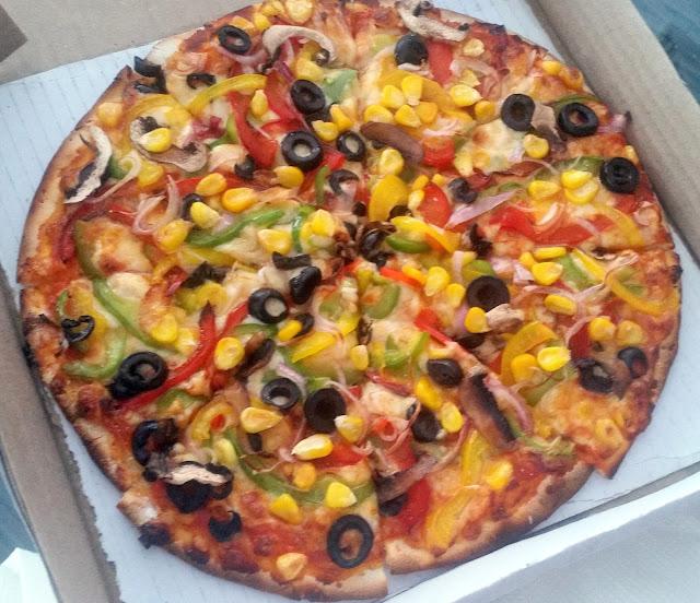 Mama Mia Special Veg Pizza