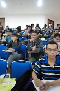 pembicara seminar, seminar trainer,