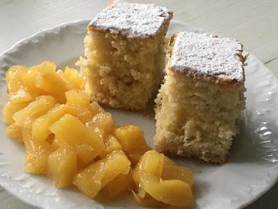 Łatwe ciasto z kokosem i karmelizowany ananas