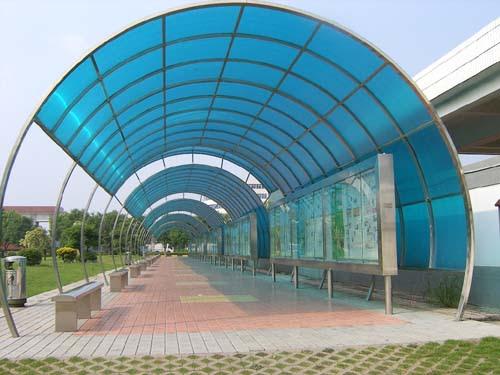 Desain kanopi polycarbonate untuk daerah umum Desain kanopi polycarbonate untuk daerah umum