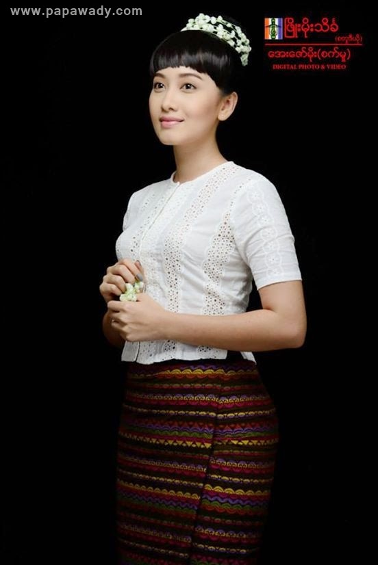 Yu Thandar Tin's Amazing Photoshoot in Myanmar Dress