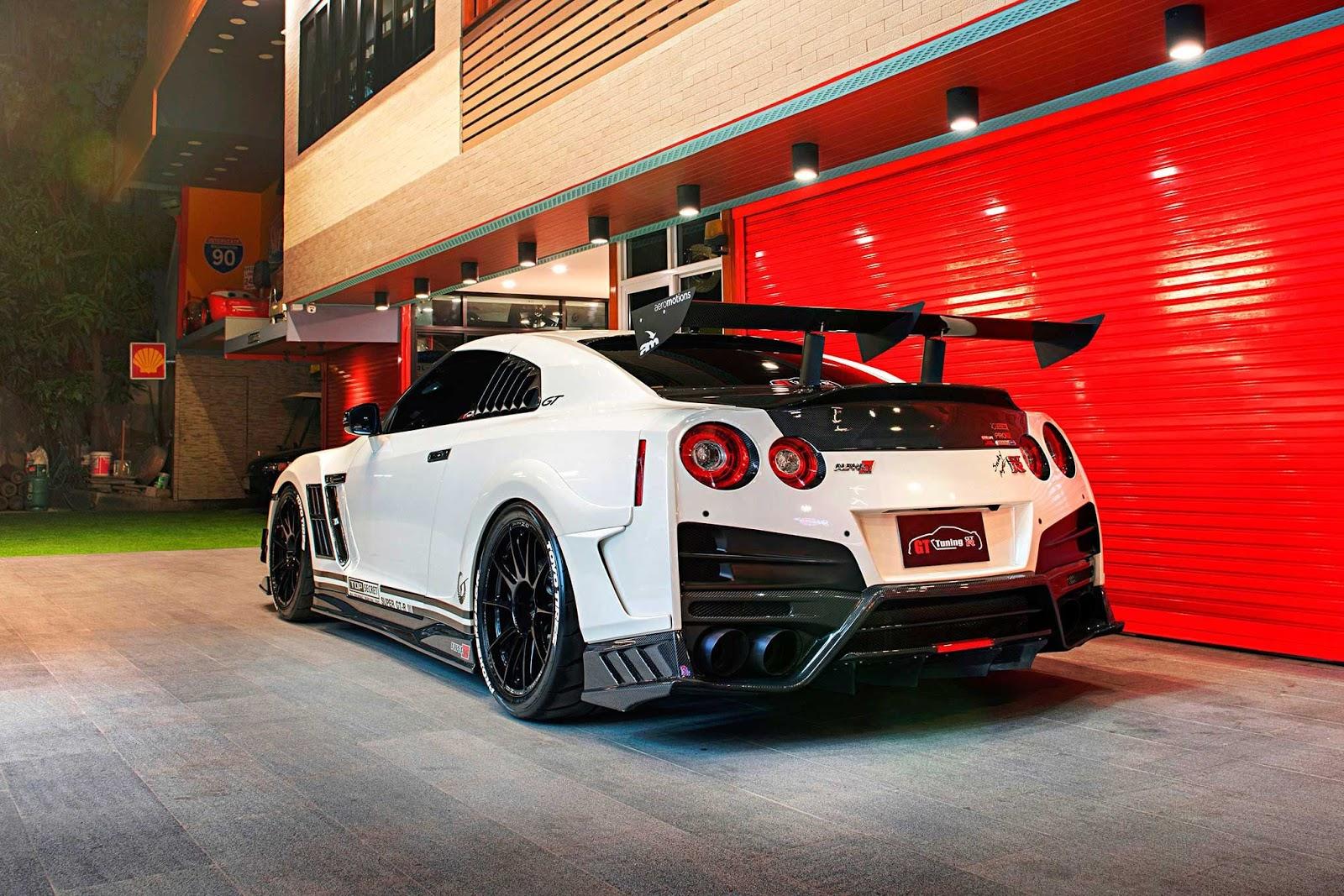 Nissan GT-R Monster Jalanan
