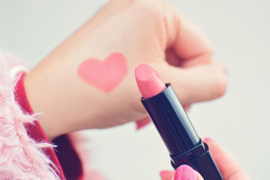 uroda, pomadka, róż, aerdelautrec, ados, kosmetyki, usta,
