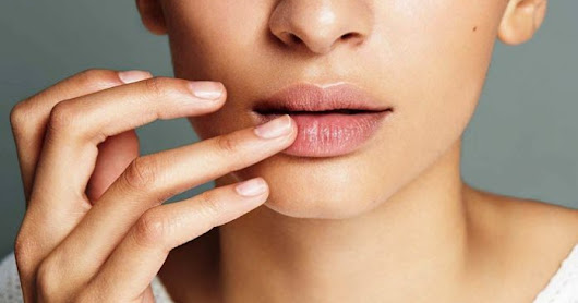 10 Home Remedies for Dark Lips