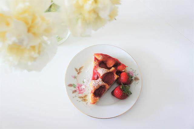 łatwe ciasto z truskawkami blog