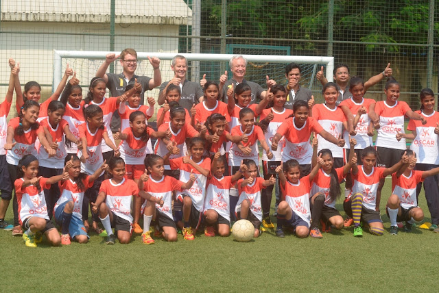 Mercedes-Benz India Management with OSCAR Foundation kids on the football ground  (1)-min
