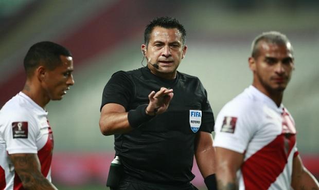 Perú-Brasil: Exárbitro argentino Javier Castrilli critica desempeño de Julio Bascuñán