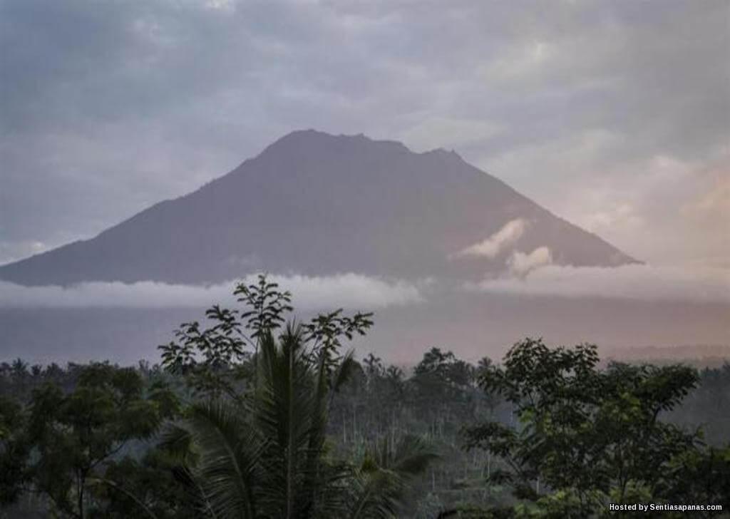 Kisah Misteri Gunung Agung Di Bali