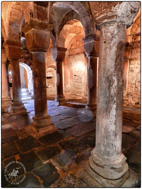 WISSEMBOURG (67) - Chapelle romane Saint-Pierre-et-Saint-Paul (XIe siècle)