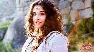 Desi Actress Vidya Balan Hot HD Photos Wallpapers