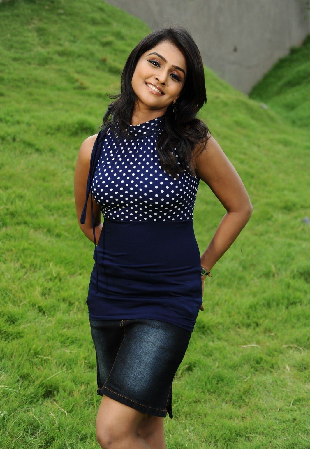 ramya-nambeesan-short-jeans-image-jack-off-tips-for-men