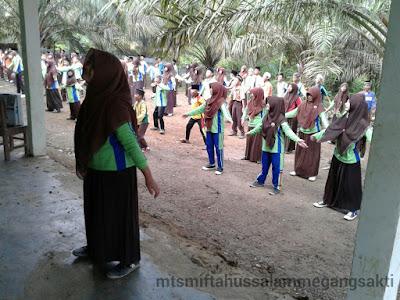 Senam perdana Mts Miftahussalam Megang sakti