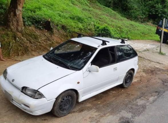 Peugeot 306 apreendido pela Policia Rodoviária Federal