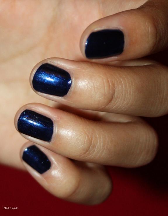 vernis bleu nuit pailleté