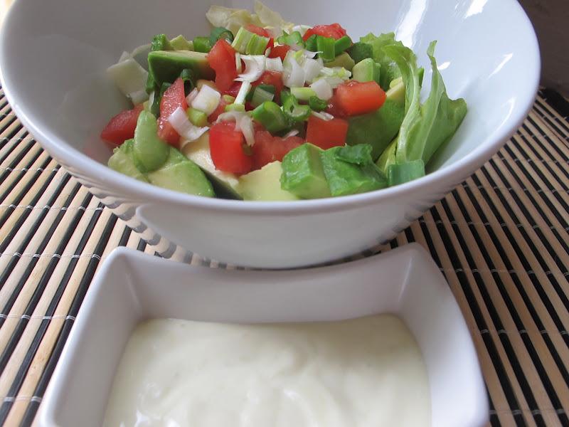 tous food 39 elles salade d 39 avocats et sa sauce wasabi. Black Bedroom Furniture Sets. Home Design Ideas