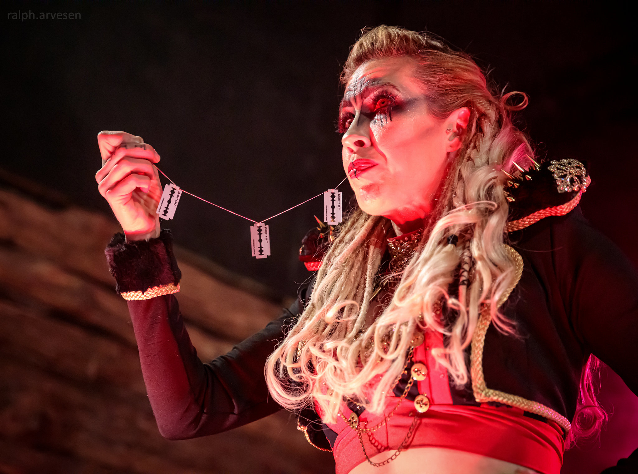Hellzapoppin Circus Sideshow Review | Texas Review | Ralph Arvesen