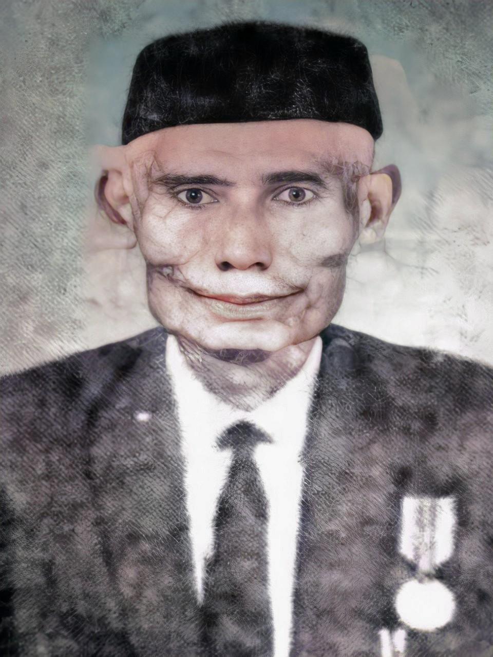 Kumpulan Foto KH. Zubair Umar Jailani, Ahli Falak dari Salatiga (HD)