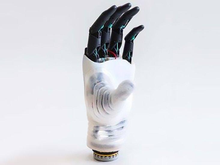 Mano-protesi-Hannes