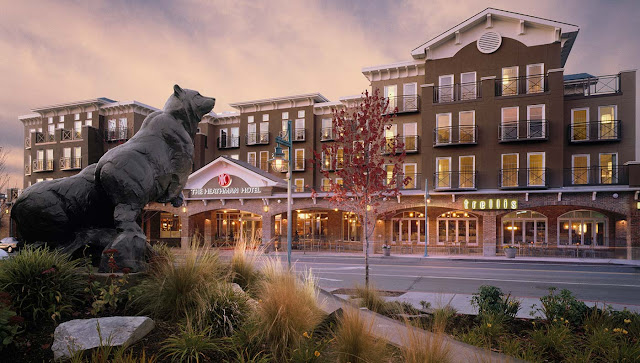 Enjoy luxury accommodations, upscale amenities, farm-to-table dining and flex meeting space at our luxurious Kirkland, WA Hotel near Bellevue.
