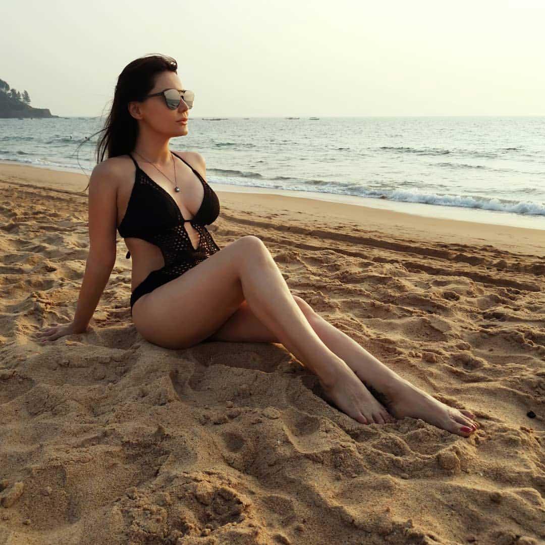 Minissha Lamba, Minissha Lamba hot, Minissha Lamba sexy, Minissha Lamba bikini