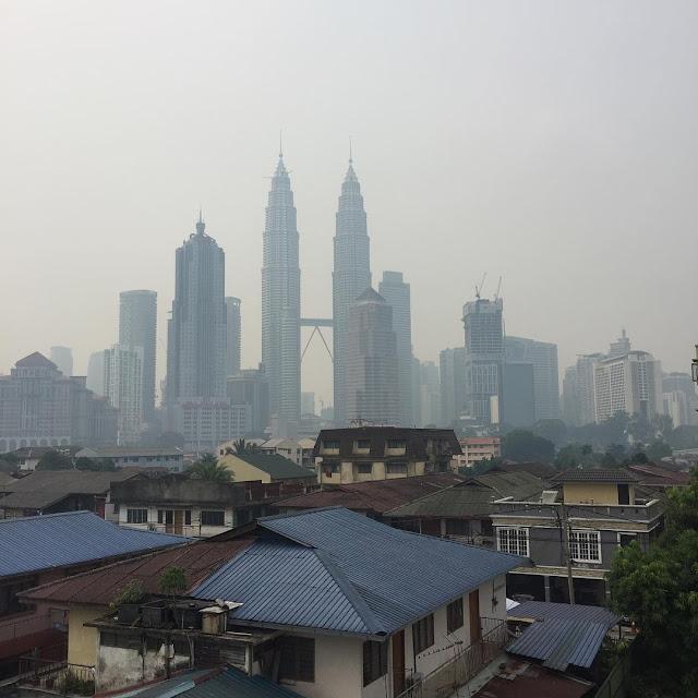 Jerebu menyelimuti Kuala Lumpur.